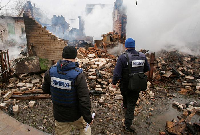 Миссия ОБСЕ 25 апреля частично возобновит патрулирование в Донбассе