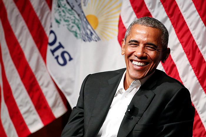 Обама впервые после ухода с поста президента США выступил перед публикой