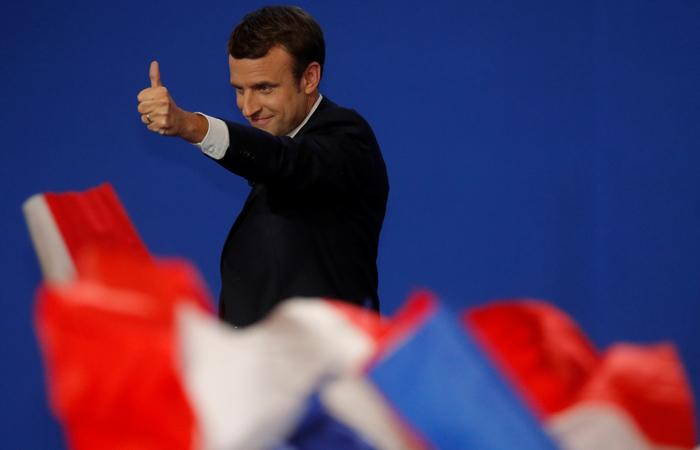 Опросы предсказали уверенную победу Макрона во втором туре выборов во Франции