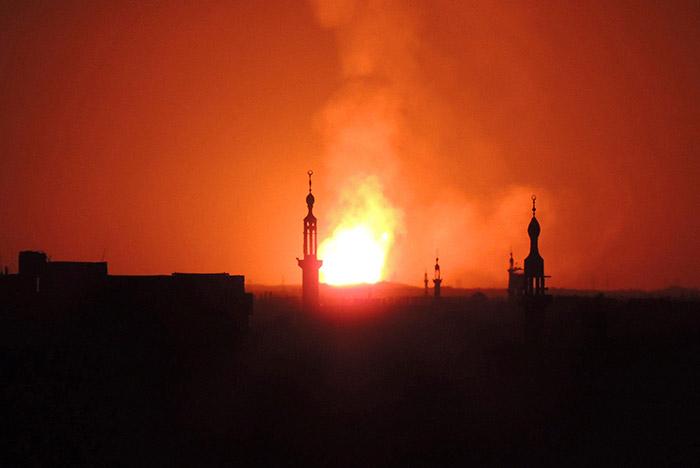 Несколько мощных взрывов произошли близ аэропорта Дамаска