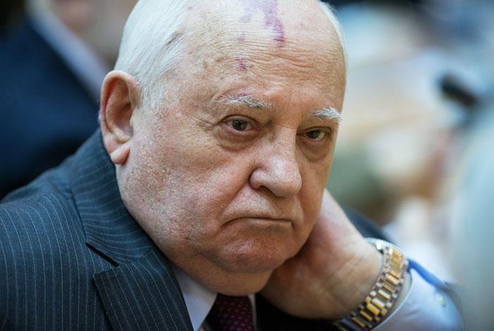 РФ отказалась вручить повестку Горбачеву овызове влитовский суд