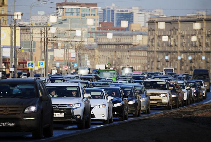 Скорость движения в центре Москвы снизилась вдвое из-за работ по благоустройству