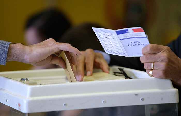 Макрон опережает ЛеПен назаморских территориях— Выборы воФранции