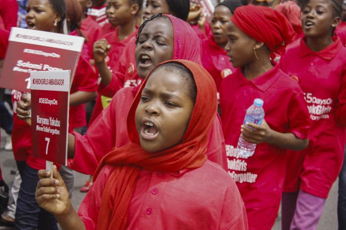 """Из плена группировки """"Боко Харам"""" освобождены 80 похищенных школьниц"""