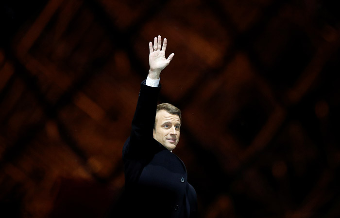 Макрон на президентских выборах во Франции получил 66,10% голосов