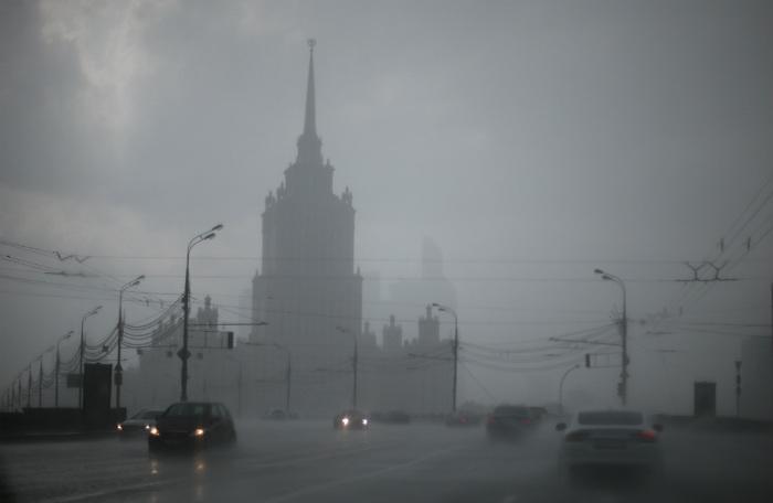 Русская авиация разгонит облака над Москвой вДень Победы