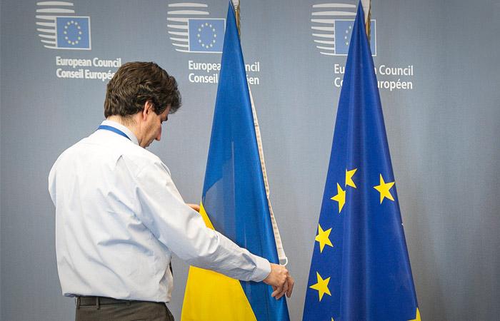 Совет ЕС одобрил отмену виз для украинцев