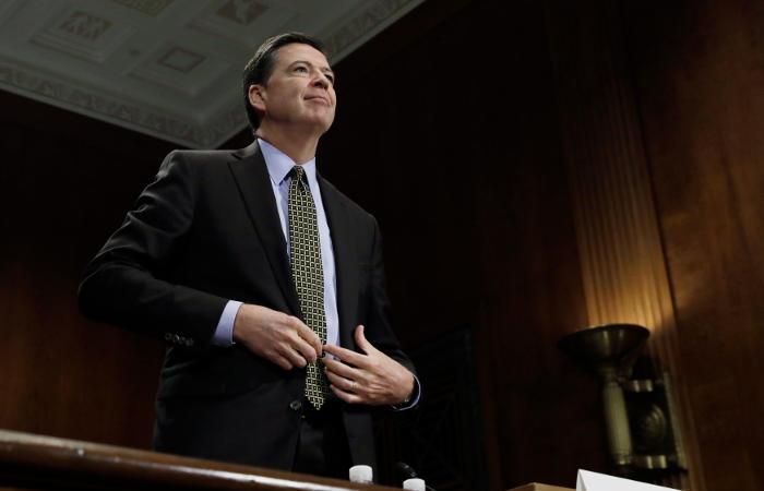 Основатель WikiLeaks Джулиан Ассанж прокомментировал увольнение Коми споста руководителя ФБР