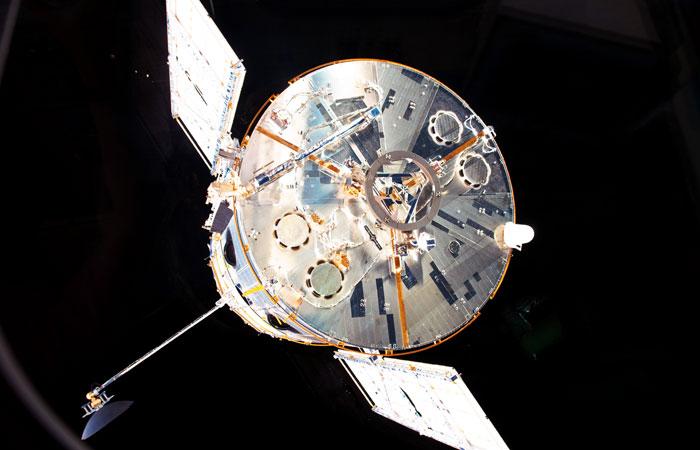 """""""Хаббл"""" обнаружил воду в атмосфере экзопланеты"""