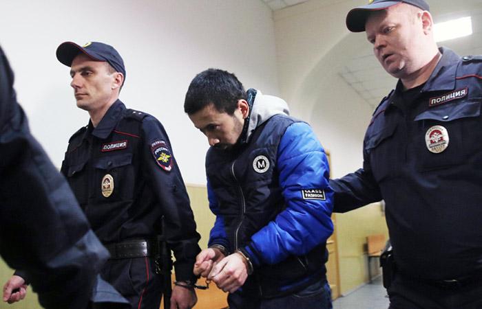 Суд арестовал подозреваемого в причастности к теракту в Петербурге Эрматова