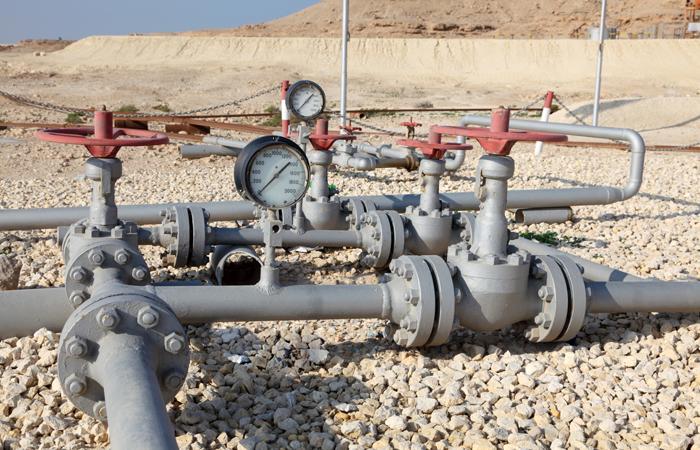 Россия и Саудовская Аравия собрались продлить соглашение о сокращении добычи нефти