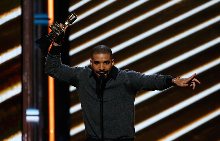 Рэпер Drake получил рекордные 13 наград на Billboard Music Awards