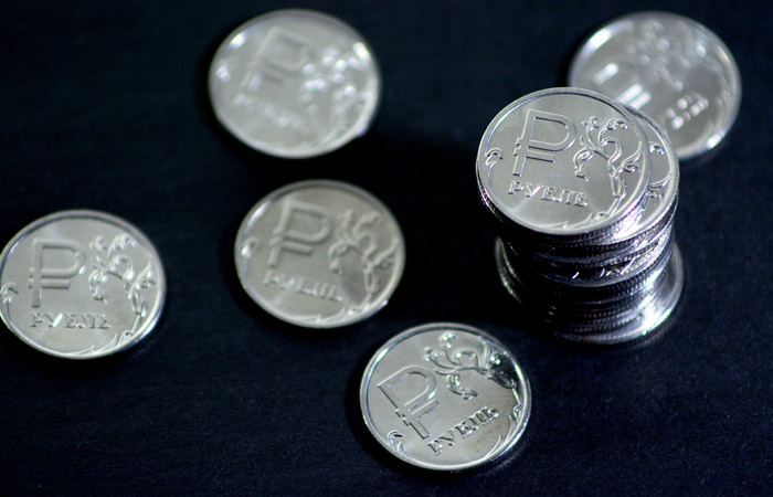 Сбербанк улучшил прогноз курса рубля на 2017 год