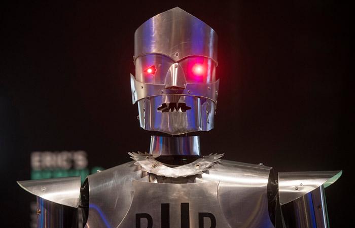 В государственной думе сегодня обсудили, можноли депутатов заменить роботами