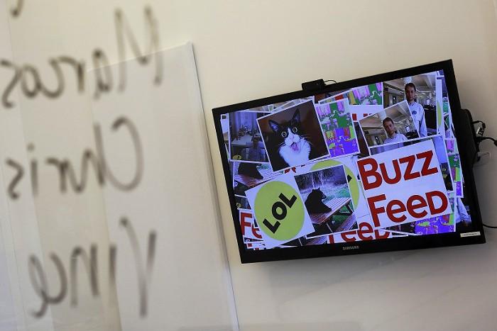 Владельцы Альфа-банка подали иск против BuzzFeed
