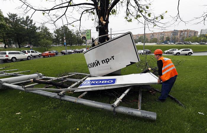 Собянин рассказал о значительном ущербе от урагана в Москве