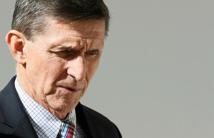Майкл Флинн согласился передать документы по делу о вмешательстве России