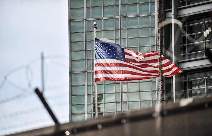 В посольстве США в РФ объяснили изменения в требованиях при получении визы