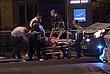 Медики оказывают помощь пострадавшим после атаки на Лондонском мосту