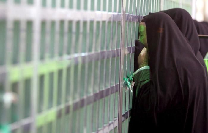 Один изналетчиков намавзолей Хомейни подорвал себя