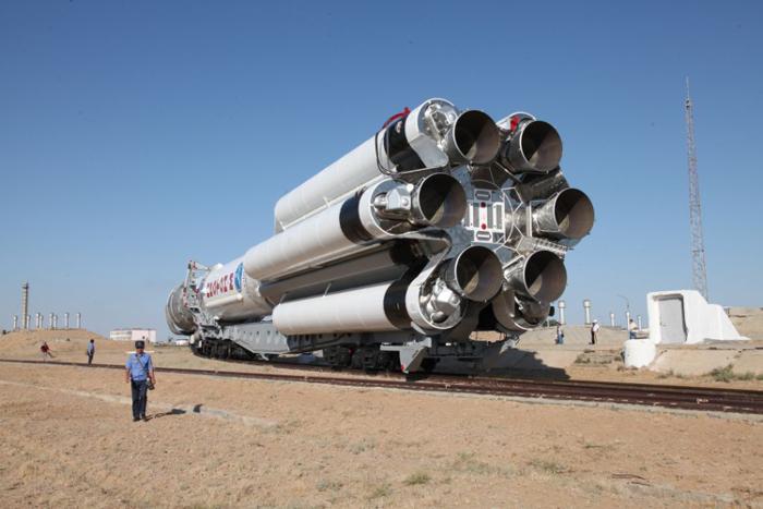 """Первая после годового перерыва ракета """"Протон-М"""" со спутником США стартовала с Байконура"""