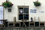 Консерваторы утратили абсолютное большинство в британском парламенте