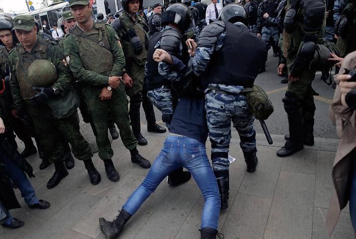Наакции оппозиции в столице России  задержали 136 молодых людей