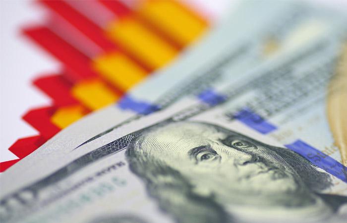 Курс доллара превысил 59 рублей впервые за три месяца