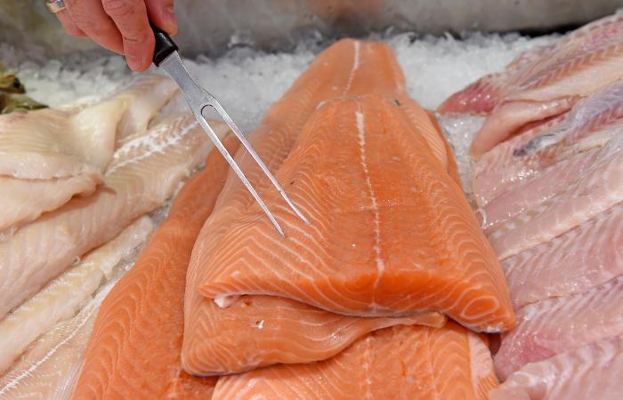 Сибиряков предупредили опоявлении некачественной рыбы вмагазинах
