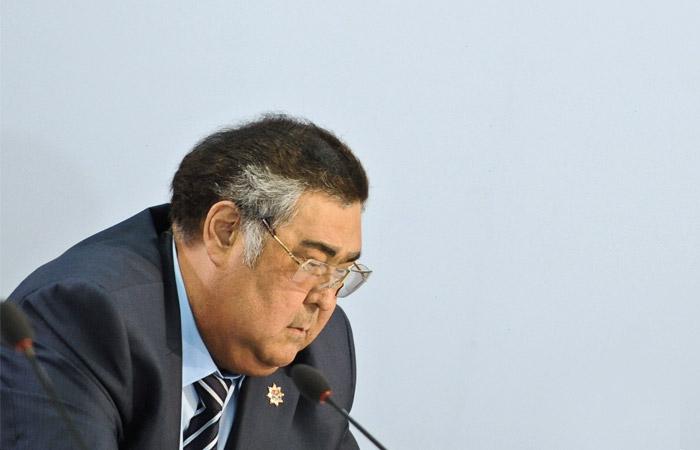 Губернатору Кузбасса Тулееву сделали операцию на позвоночнике