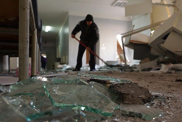 В результате взрыва в центре Донецка есть погибшие и раненые