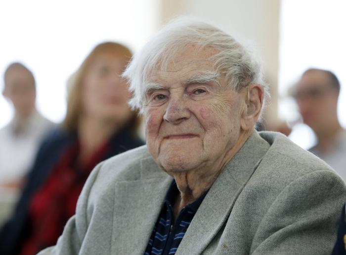 Писатель Даниил Гранин скончался в Петербурге