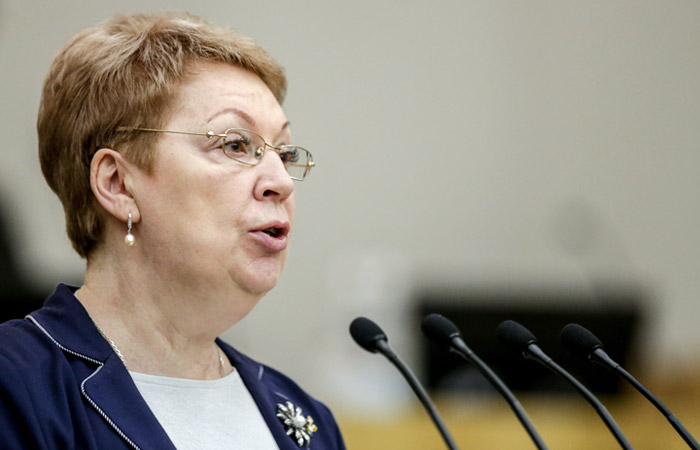 """Минобрнауки анонсировало реформу с """"возвращением школ в государство"""""""
