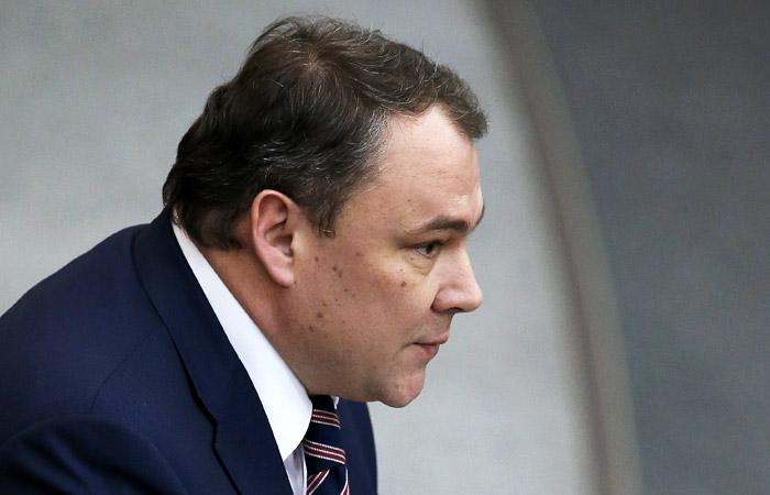Вице-спикер Думы пояснил инициативу о штрафах за отказ удалять информацию из соцсетей