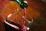 """""""Массандра"""" ради турсезона снизит в Крыму цены на свое вино на 30-50%"""