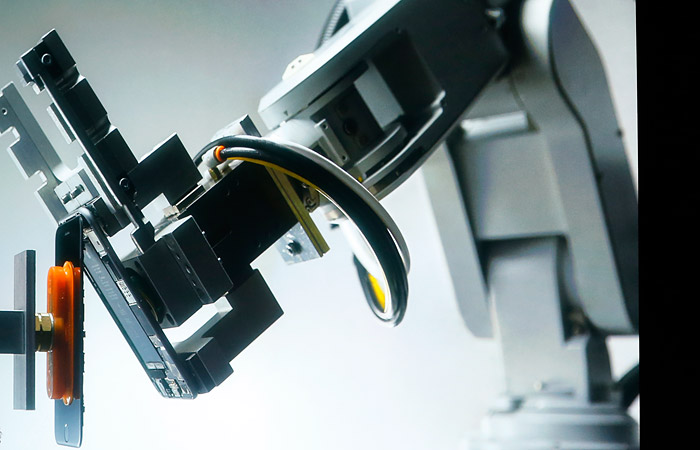 Apple может отложить поставки iPhone 8 из-за сложностей сосканером отпечатков