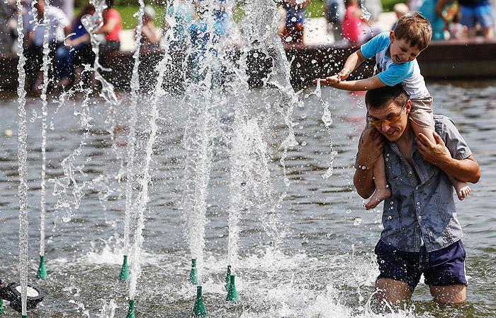 Синоптики пообещали москвичам 30-градусную жару на следующей неделе