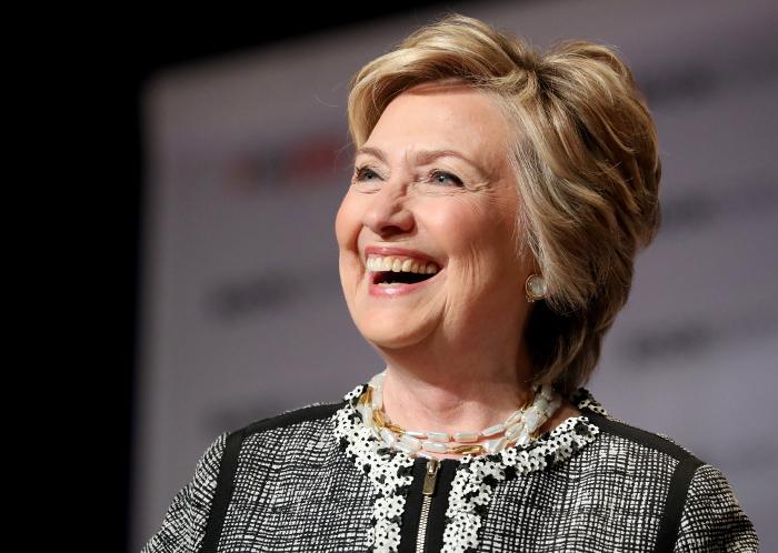 "В Белом доме назвали Хиллари Клинтон ""компроматом на саму себя"""