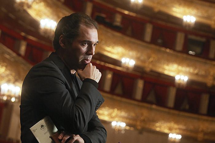 Главный дирижер огромного театра: премьера «Нуреева» может пройти доконца года