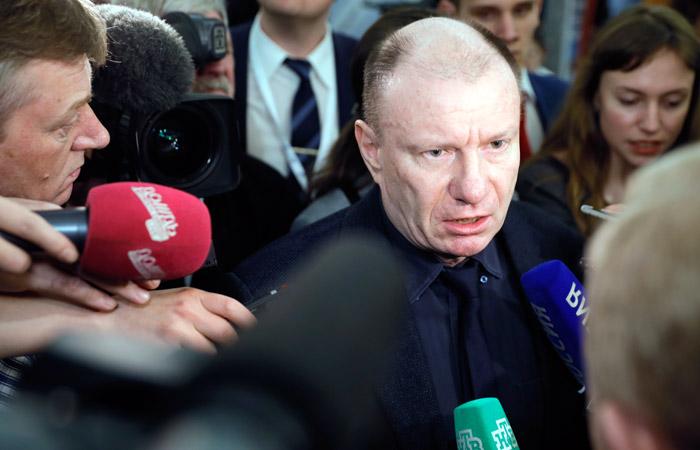Суд отвергнул иск экс-супруги кВладимиру Потанину на849 млрд руб.