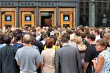 Минтранс пообещал разобраться с проблемой досмотра в метро Петербурга