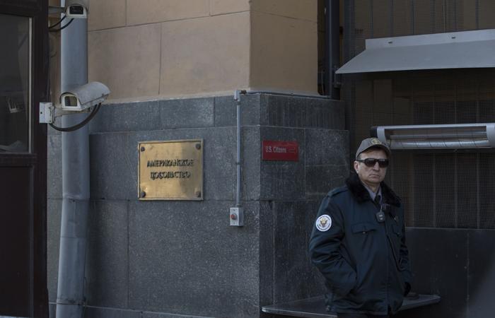 Путин объявил о сокращении 755 работников американских дипмиссий в России