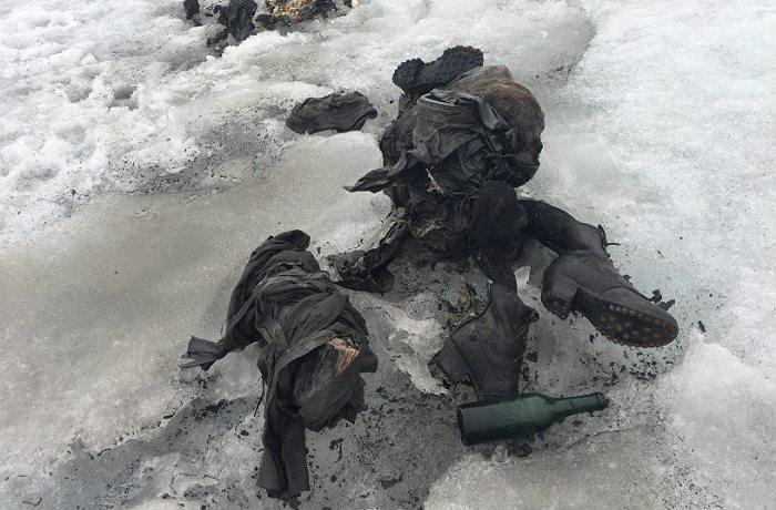 В тающем леднике Альп чаще стали появляться тела давно погибших людей