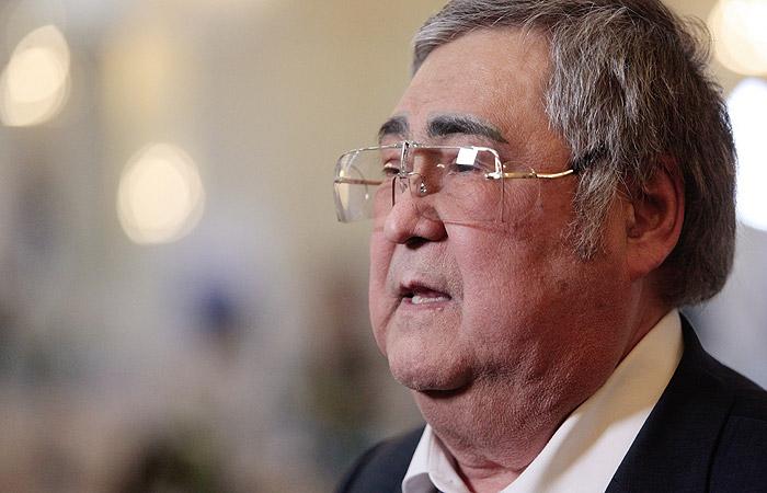 Аман Тулеев вернулся вКемерово после постоперационной реабилитации в столице