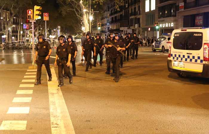 Среди пострадавших в теракте в Барселоне оказались граждане минимум 18 стран