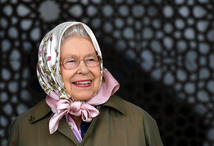 Times узнала о нежелании Елизаветы II уступать престол принцу Чарльзу