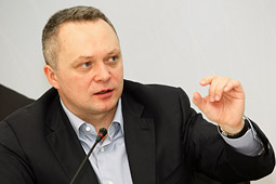 Константин Костин: в предвыборной борьбе две интриги – послание Путина парламенту и борьба за второе место