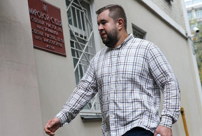 Мужчина, ударивший в день ВДВ корреспондента НТВ, получил полгода исправительных работ