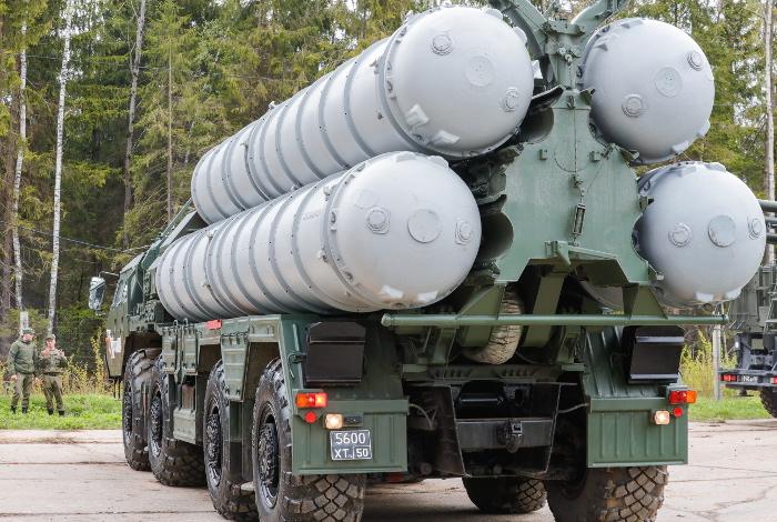 Россия получила десять заявок на поставку систем ПВО С-400