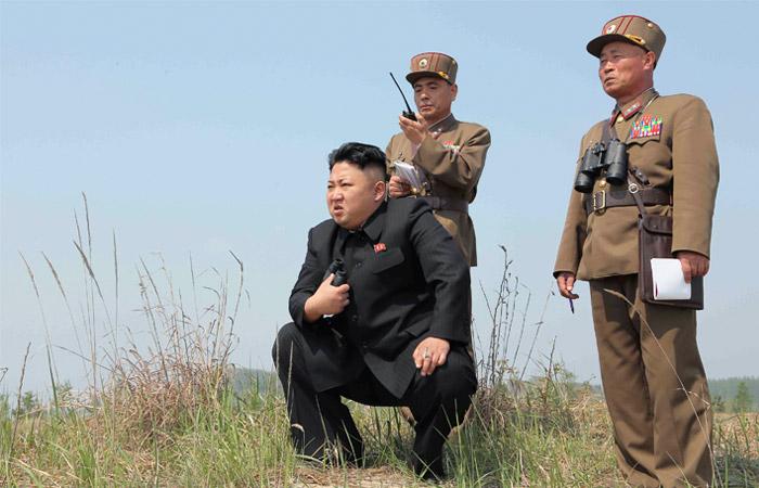 Северокорейские СМИ разместили фото Ким Чен Ына на фоне пуска ракеты